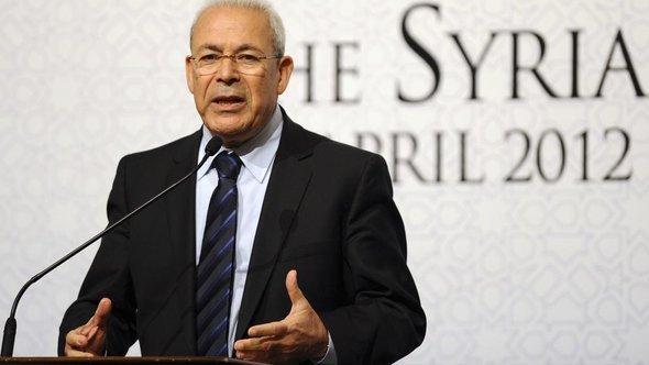 برهان غليون، الرئيس السابق للمجلس الوطني السوري، أ ب