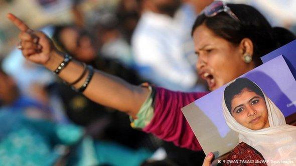 احتجاجات ضد اعتداء طالبان على التلميذة ملالا، أ ف ب