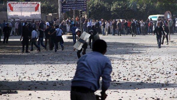 عاصفة في مصر بعد الإعلان الدستوري لمرسي  الصورة ا ف ب