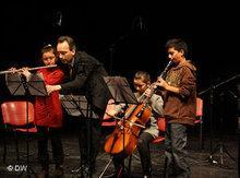 حفلة موسيقية أقامها تلاميذ مؤسسة بارينويم في رام الله. دويتشه فيله