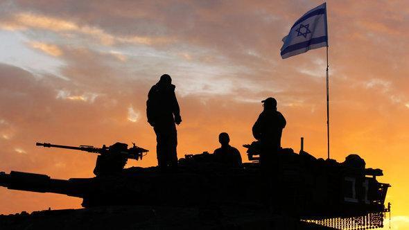 دبّابة إسرائيلية على تُخوم غرة. غيتي إميجيس