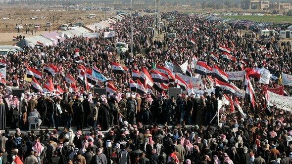 مظاهرات السُّنة في الرمادي. رويترز