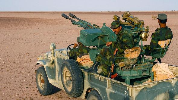 Polisario fighters (photo: Karlos Zurutuza)