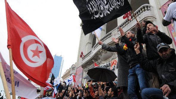 مظاهرات لمناصري حزب النهضة. 9 فبراير 2013. د ب أ
