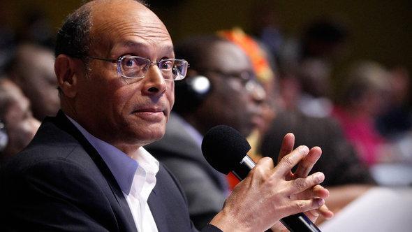 الرئيس التونسي منصف المروزقي المصدر رويترز