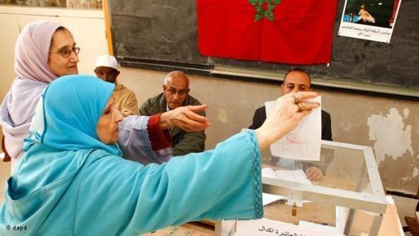نساء يشاركن في الانتخابات في الرباط نوفمبر/ تشرين الثاني 2011 . أ ب