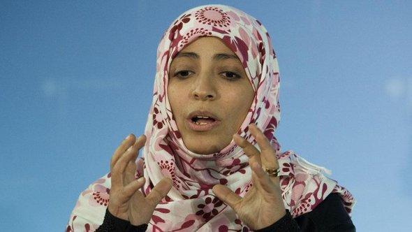 القيادية في ثورة التغيير والصحافية والناشطة الحقوقية اليمنية الحائزة على جائزة نوبل للسلام: توكل كرمان. د ب أ ب