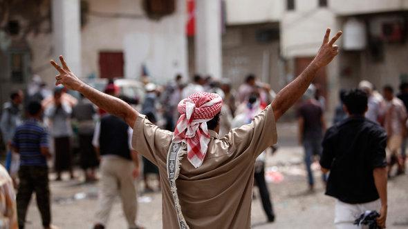 احتجاجات لبعض فصائل الحراك الجنوبي مطالبة بانفصال جنوب اليمن عن اليمن. عدن 21 فبراير/ شباط 2013. رويترز