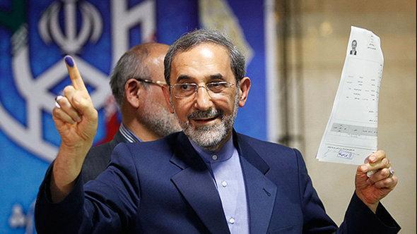 وزير الخارجية الإيراني الأسبق علي أكبر ولايتي. MEHR