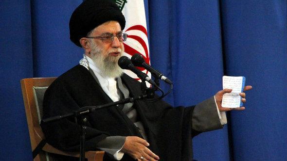 المرشد الأعلى للثورة الإسلامية آية الله علي خامنئي.  د ب أ