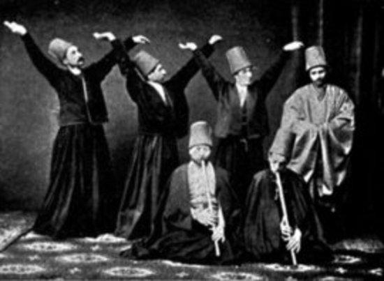 دراويش المولوية 1887. wikimedia