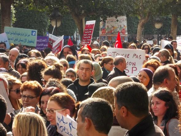 احتجاجات  في تونس. تصوير كاترينا بفانكُخ