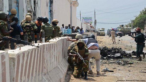 بعد هجوم على مقر الأمم المتحدة في مقديشو 16 يونيو/ حزيران 2013 . أ ف ب   غيتي إميجيس