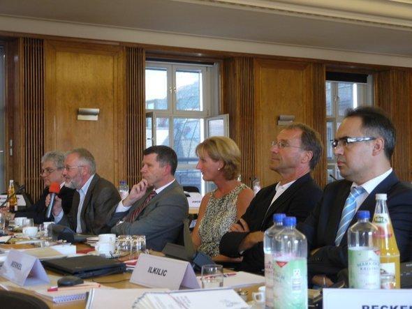 أعضاء للمجلس الألماني للأخلاق.  Deutscher Ethikrat