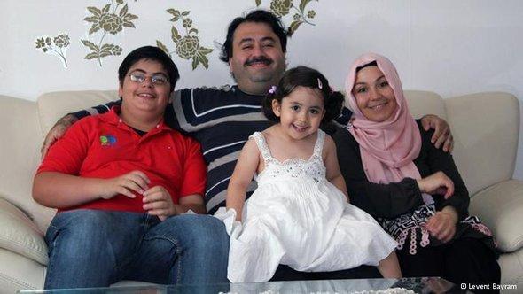 عائلة تركية تعيش في ألمانيا.