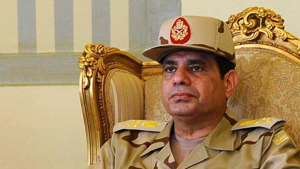 وزير الدفاع وقائد الجيش المصري الفريق أول عبد الفتاح السيسي. رويترز