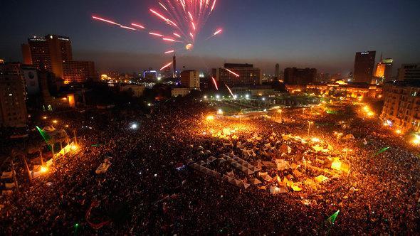 Zahllose Menschen feiern am 30. Juni Mohammed Mursis Absetzung durch das Militär; Foto: Reuters