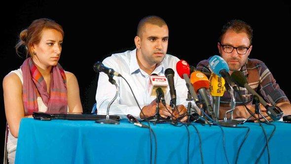 Pressekonferenz der tunesischen Tamarod-Bewegung; Foto: DW