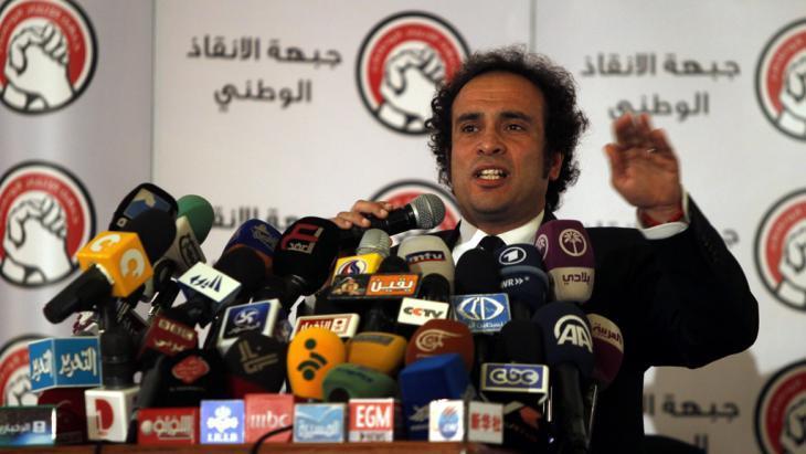 السياسي الليبرالي عمرو حمزاوي. د ب أ