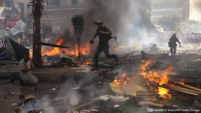 عقِب فض السلطات المصرية لاعتصامات مؤيدي مرسي