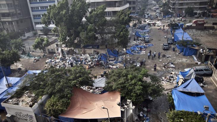 خراب بعد فض اعتصام المؤيدين لمرسي في القاهرة. أ ف ب غيتي إميجيس