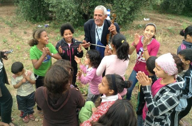 Majid Sahoul's children on one of their Sunday outings to the Menara Gardens (photo: Astrid Kaminski)