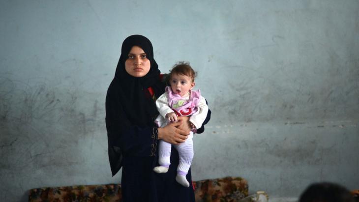 لاجئون في حلب.  Foto: DIMITAR DILKOFF/AFP/Getty Images
