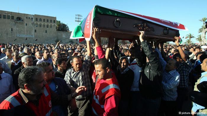 تشييع لضحايا مواجهات مسلحة في ليبيا