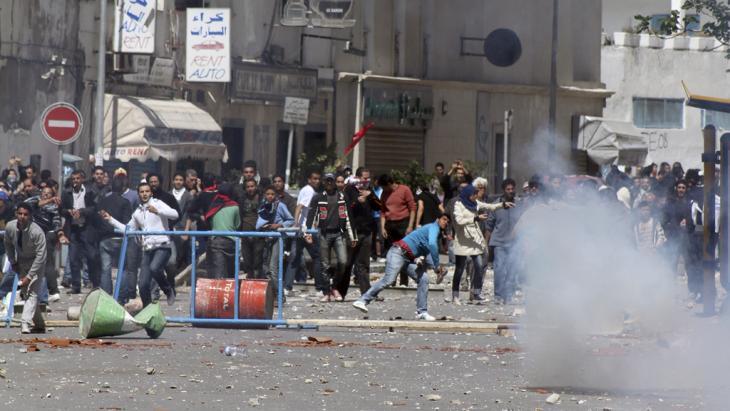 Demonstration von Jugendlichen gegen die Regierung in Tunis im April 2012; Foto: Amine Landoulsi/AP/dapd