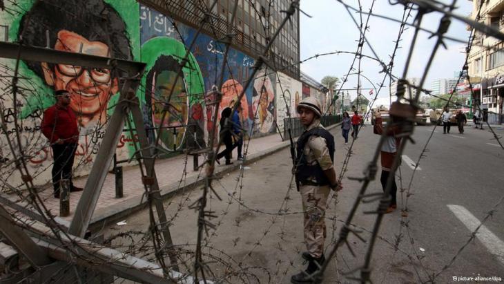 رسوم جدارية لوجوه ضحايا احتجاجات شارع محمد محمود التي حدثت في نوفمبر 2011. Foto: picture-alliance/dpa