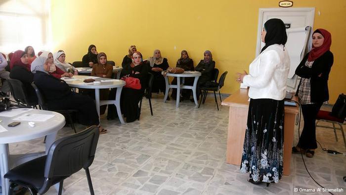 في الأردن تحاول ناشطات توعية نساء البادية بحقوقهن القانونية والاجتماعية