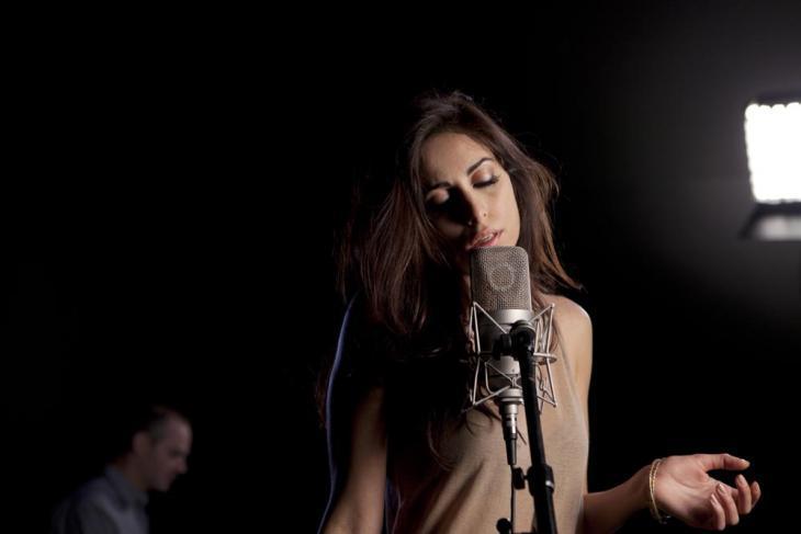 المغنية اللبنانية ياسمين حمدان. Foto: Amélie Rouyer