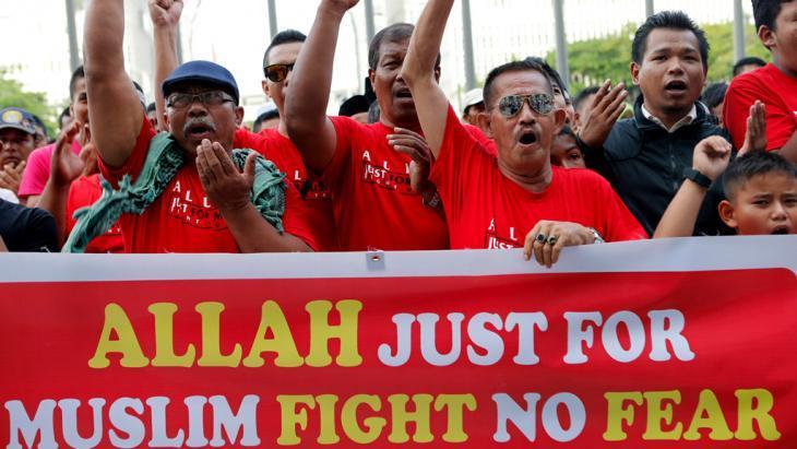 متظاهرون محتجون في ماليزيا. Foto: Reuters
