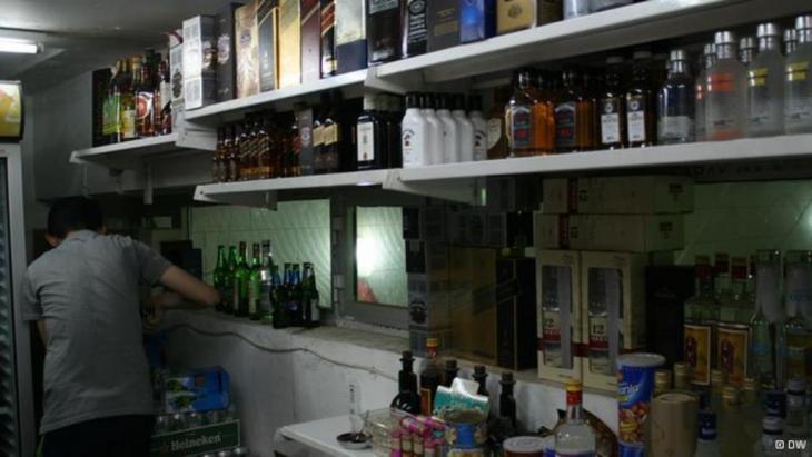 أحد محلات المشروبات الكحولية ببغداد
