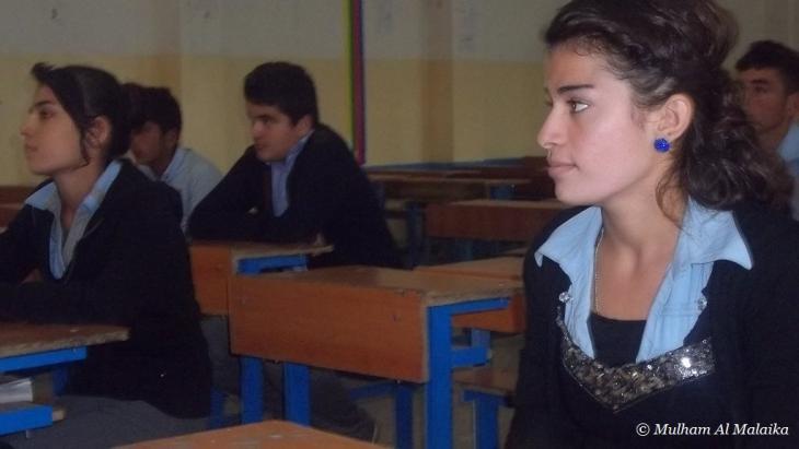صف في مدرسة مزكين الأيزيدية المختلطة في كردستان العراق.    Mulham Al Malaika ©