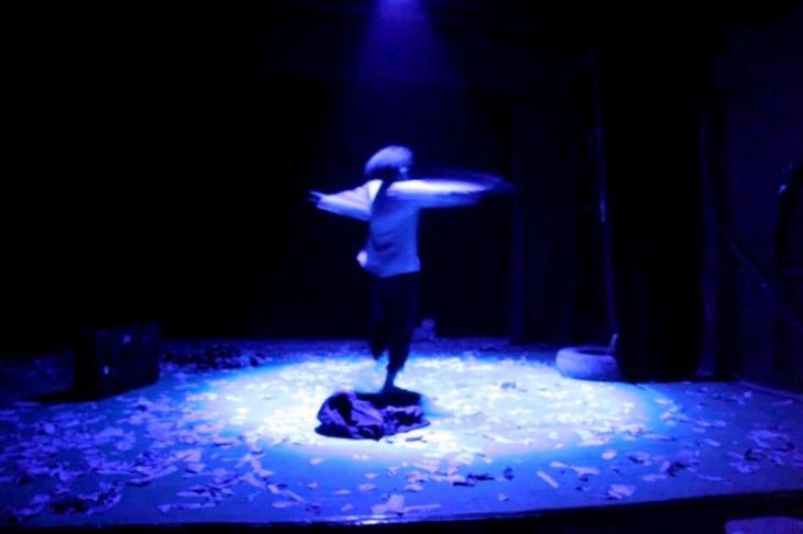 """لقطة من مسرحية """"قوم يا با"""" للمخرج قاسم اسطنبولي. © Mohamed Rajeb"""