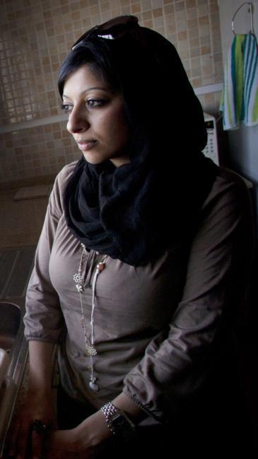 الناشطة والمدوّنة البحرينية زينب الخواجة.  Photo: Wikipedia