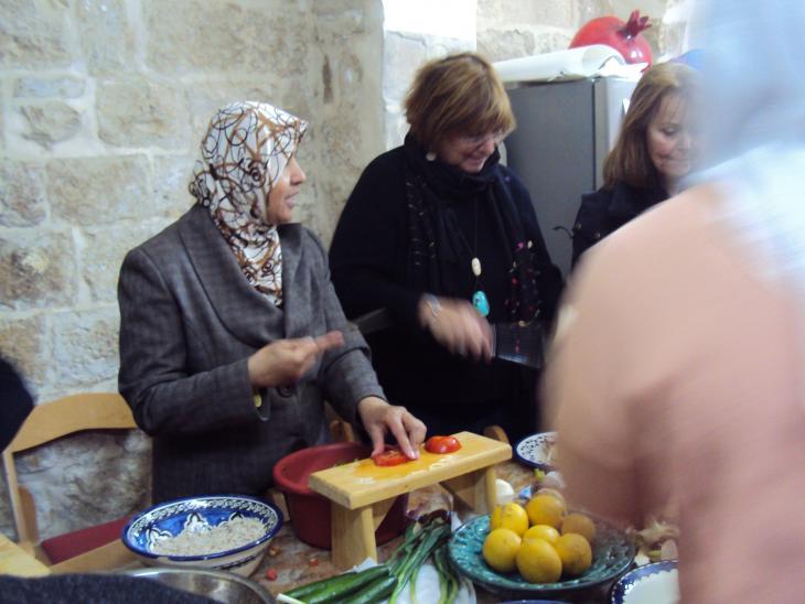 """مركز المرأة """"بيت الكرامة"""" لتعليم الطهي في نابلس. Foto: Ulrike Schleicher"""
