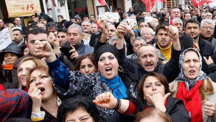 مظاهرات احتجاجية ضد حكومة إردوغان في اسطنبول. Foto: Reuters