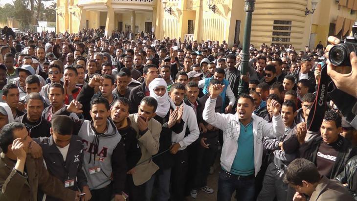 مسيرة احتجاجية نظمها العاطلون عن العمل في ولاية ورقلة الجزائرية. Foto: Saiza Souci 