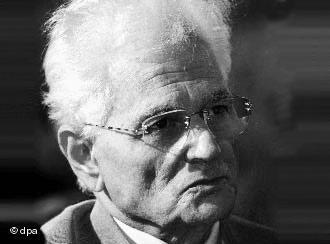 Der französische Philosoph Jacques Derrida; Foto: dpa