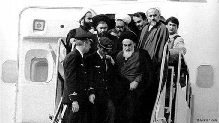 وصول آية الله الخميني إلى طهران في الأول من فبراير عام 1979 إلى طهران