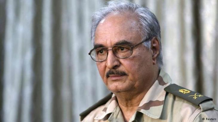 اللواء المتقاعد حفتر في ليبيا