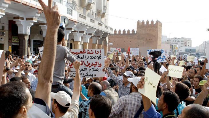 احتجاجات لحركة 20 فبراير المغربية في الرباط. Foto: AP