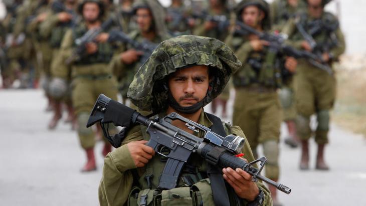 وحدات من الجيش الإسرائيلي في الضفة الغربية. Foto: Reuters/Mussa Qawasma