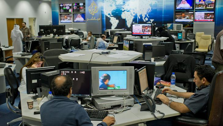 Newsroom des Nachrichtensenders Al-Jazeera in Doha; Foto: dpa/picture-alliance