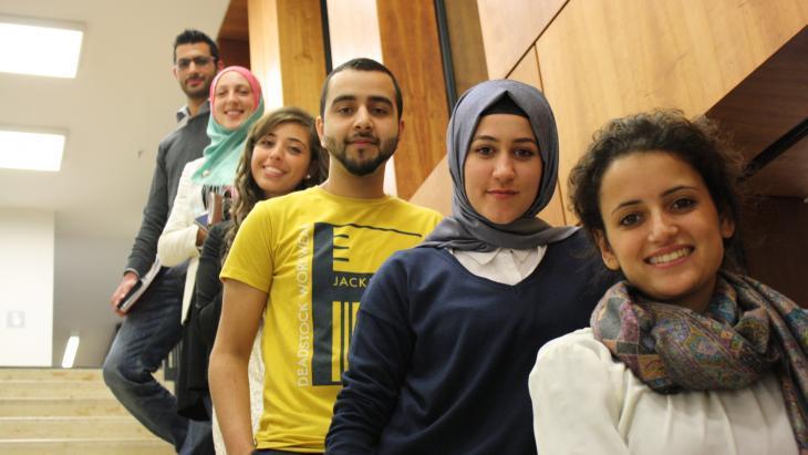 طلبة مسلمون في ألمانيا.  Foto: Vincenzo Ferrera