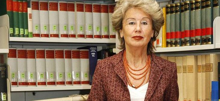 الباحثة الألمانية أنجيليكا نويفيرت تعد من أعلام البحث العلمي في مجالي العلوم الاسلامية والقرآنية في ألمانيا وأوروبا.