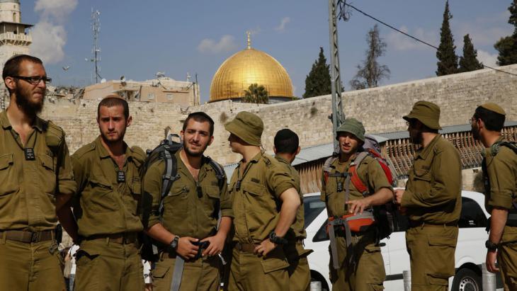 """إغلاق الحرم القدسي """"جبل الهيكل"""" من قبل الأمن الإسرائيلي. Foto: GALI TIBBON/AFP/Getty Images"""