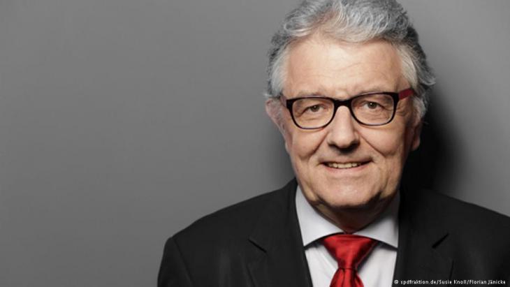 der Menschenrechtsbeauftragte der Bundesregierung, Christoph Strässer; Foto: spdfraktion.de/Susie Knoll/Florian Jänecke